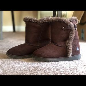 Girls Airwalk brown boots